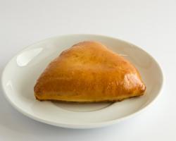 Пирожок с грибами